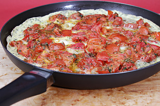 Img_7432_tomato_frittata_in_pan