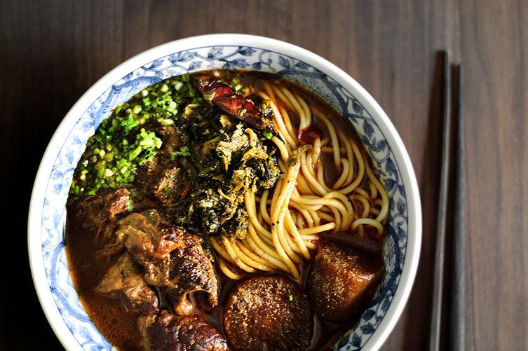 Taiwanese beef noodle soup niu-rou-mian