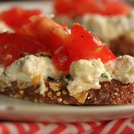 Ricotta_corn_basil_crostini_(1_of_1)