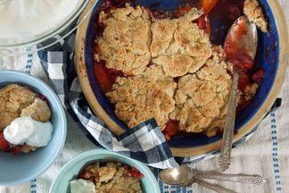 Strawberry-apricot_cobbler