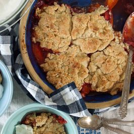 Strawberry-apricot_cobbler