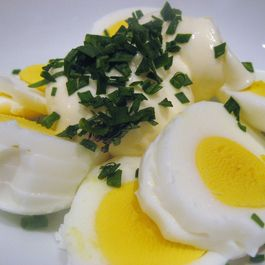 Egg_salad_with_chives