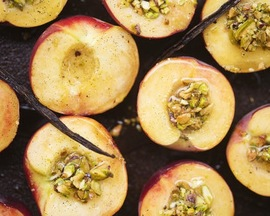 Vanilla Peaches with Pistachio Crumble