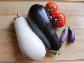 Eggplant_and_tomatoes