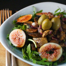 Fresh Fig, Walnut & Mushroom Salad with a Carob & Balsamic Dressing