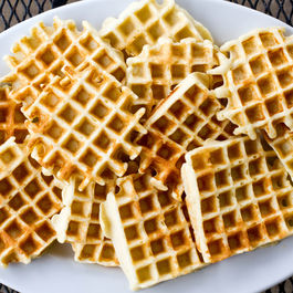 Plate_of_waffles