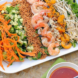 Asian_shrimp_salad_with_gochujang_dressing