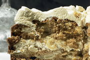 Apple_and_olive_oil_cake_with_maple_icing
