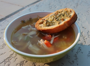 Roasted_chicken_soup_(640x471)