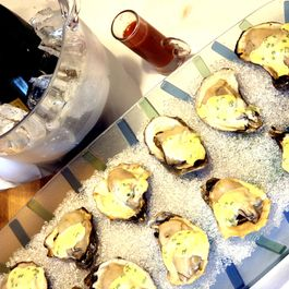Champagne_oysters