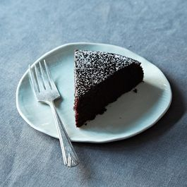 2013-1001_genius_chocolate_cake-450