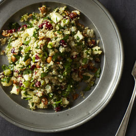 2013-1015-wildcard-quinoa-salad-with-hazelnuts-apple-and-dried-cranberries-005