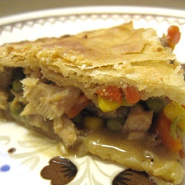Turkey_pot_pie_slice