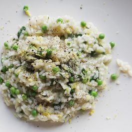 AMAZINGLY CREAMY RISOTTO WITH PEAS & GREENS