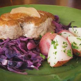 Braised Pork Chops with Cabbage and Apples