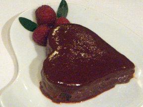 Chocolate_and_raspberry_valentine_s_cake_last