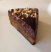 Peanut_butter_and_choc_cake_3_med_slice_2_