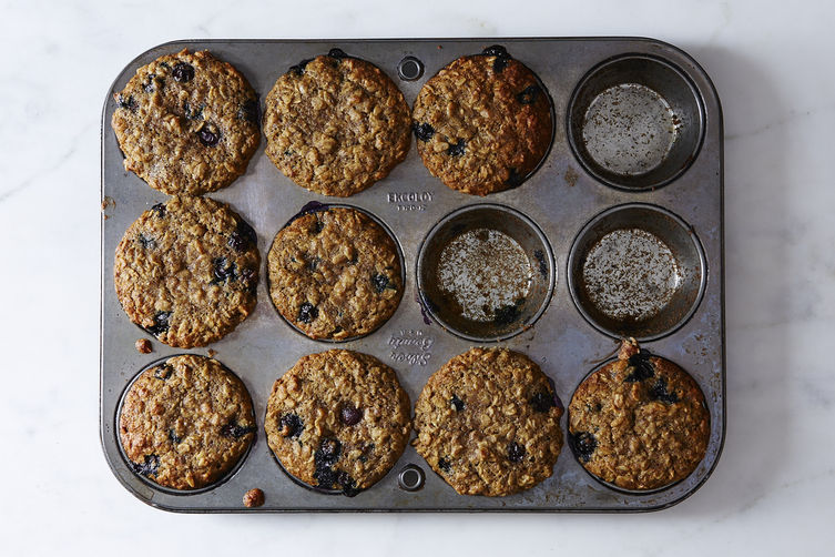 Blueberry, Oatmeal, and Flaxseed Muffins