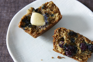 Blueberry, Oatmeal and Flaxseed Muffins