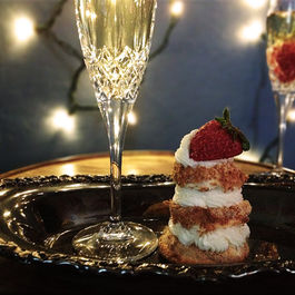 Petit Champagne Layer Cakes