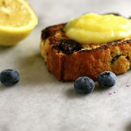 Grilled-blueberry-bread-with-lemon-curd2