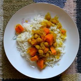 Vegetarian/Vegan Sweet Potato Curry with Rice