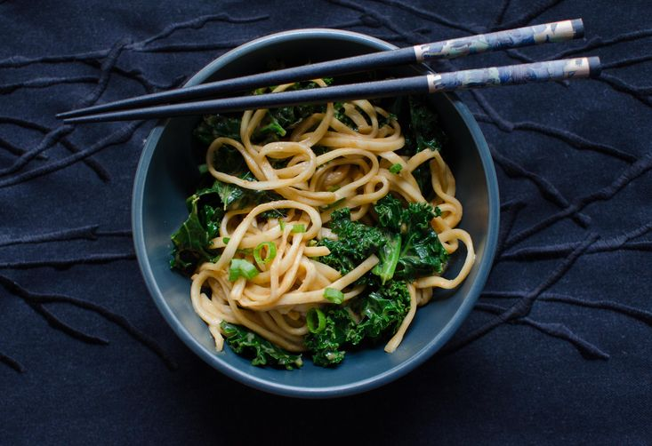 5-Minute Spicy Peanut Udon with Kale