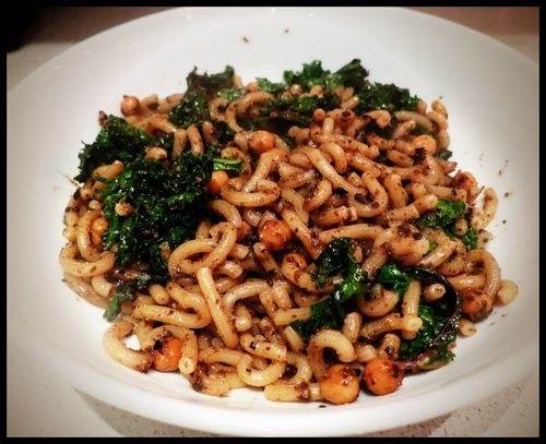 Edible Jewels Kale, Black Olive and Chickpea Pasta