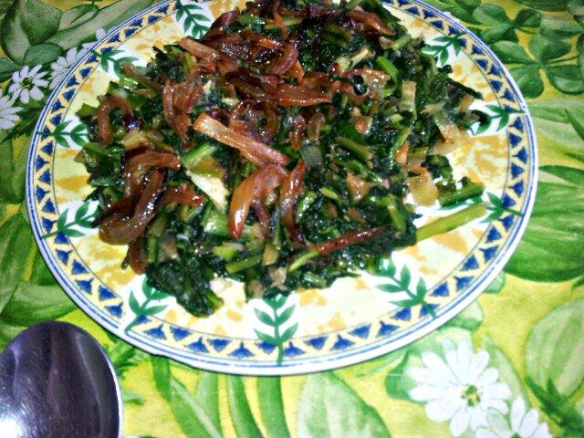 Hindbeh Bi Zeit ( Sautéd Chicory Leaves)