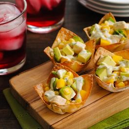Chicken__mango___avocado_wonton_cups2
