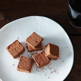 2014-0107_alice_chocolate-truffles-red-wine-023