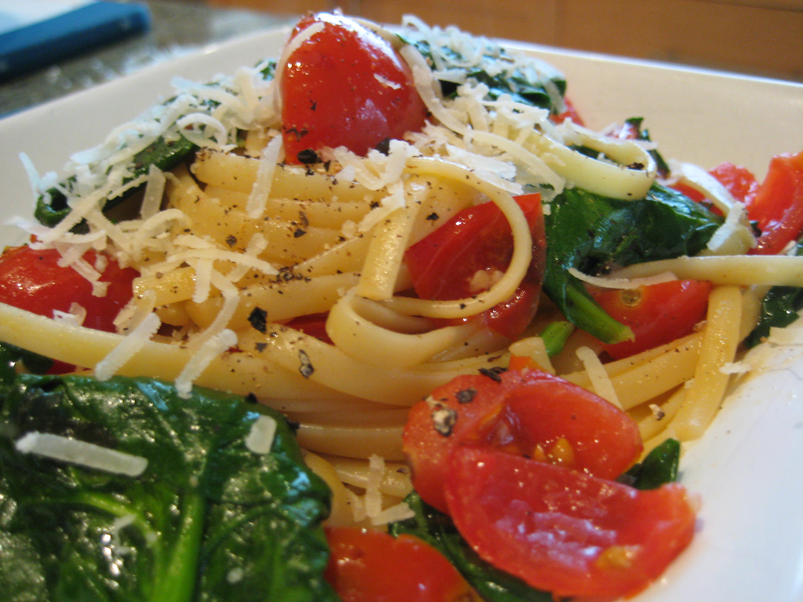 Linguine w/ Turkey Sausage, Pancetta, Spinach, Baby Tomatoes & Pecorino