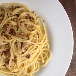 Spaghetti with tuna (Pantry recipe)