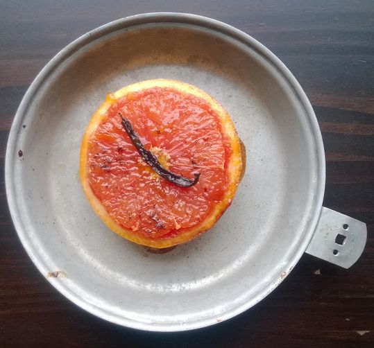 Broiled grapefruit + Vanilla bean