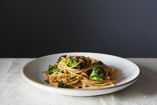 2014-0311_cp_broccoli-aglio-olio-gremolata-breadcrumbs-013