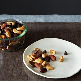 Snacks,Granola,Nuts
