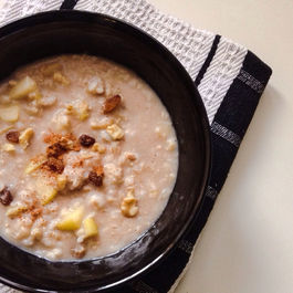 Apple_cinnamon_brown_rice_porridge