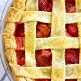 Strawberry_rhubarb_pie_