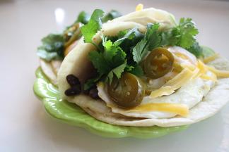 Bean_fried_egg_taco
