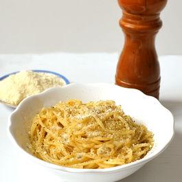 Easy Black Pepper & Parmesan Pasta