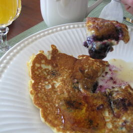 Blissful_blueberry_walnut_pancakes