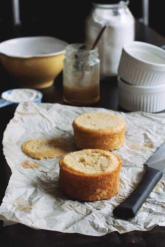 Buttermilk Cakes with Honey Caramel