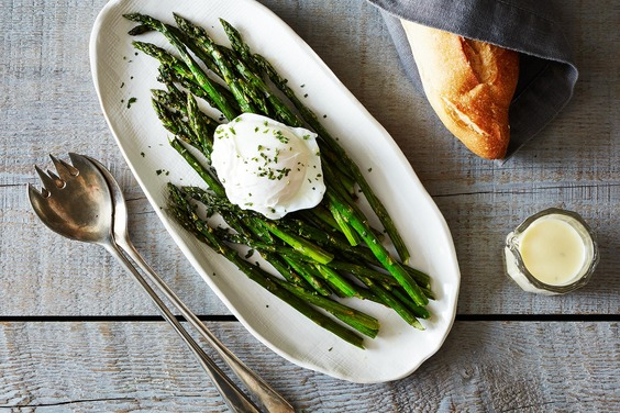 2014-0401_wc_roasted-asparagus-w-poached-egg-lemon-mustard-sauce-015