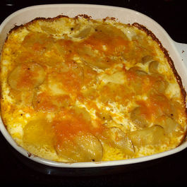 Cheesy Scalloped Potatoes with Heavy Cream