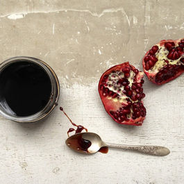 Pomegranate-molasses_01