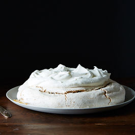 Alice_peanut-butter-pavlova_food52_mark_weinberg_14-05-06_0655