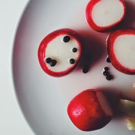 Pickled_radishes_with_whole_black_peppercorns_--_www.the-chefs-wife.com_--__pickles__radishes__spring__salad__pink__peppercorn__vsco________