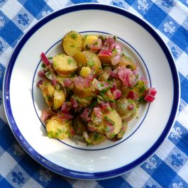Warm-fingerling-potato-salad