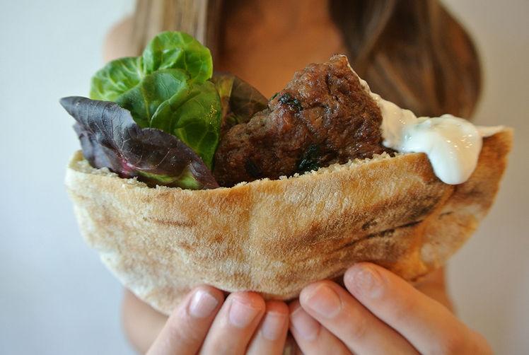 greek lamb burgers with yogurt & cucumber tzatziki sauce