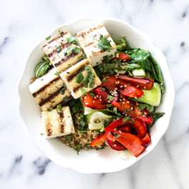 Grileld_veggie_and_soy_sauce_quinoa_bowl